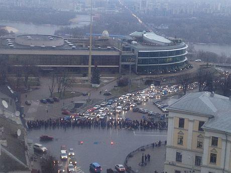 Колонна митингующих за ПР на Площади Славы, 16 января