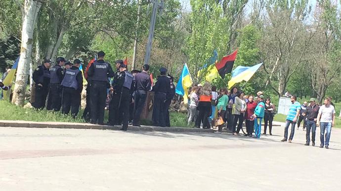 ВХерсоне милиция разняла две стычки митингующих