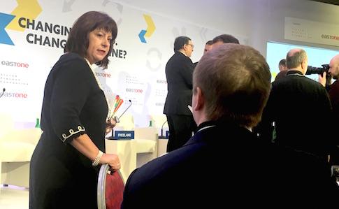 Украина в Давосе. Стакан наполовину полон или пуст?