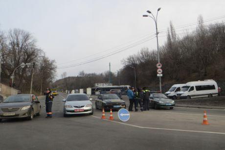 Потралюють посилено  й дороги в Києві