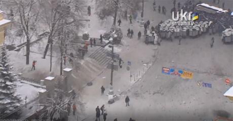 Беркут в наступлении на Грушевского. Хроника (фото)