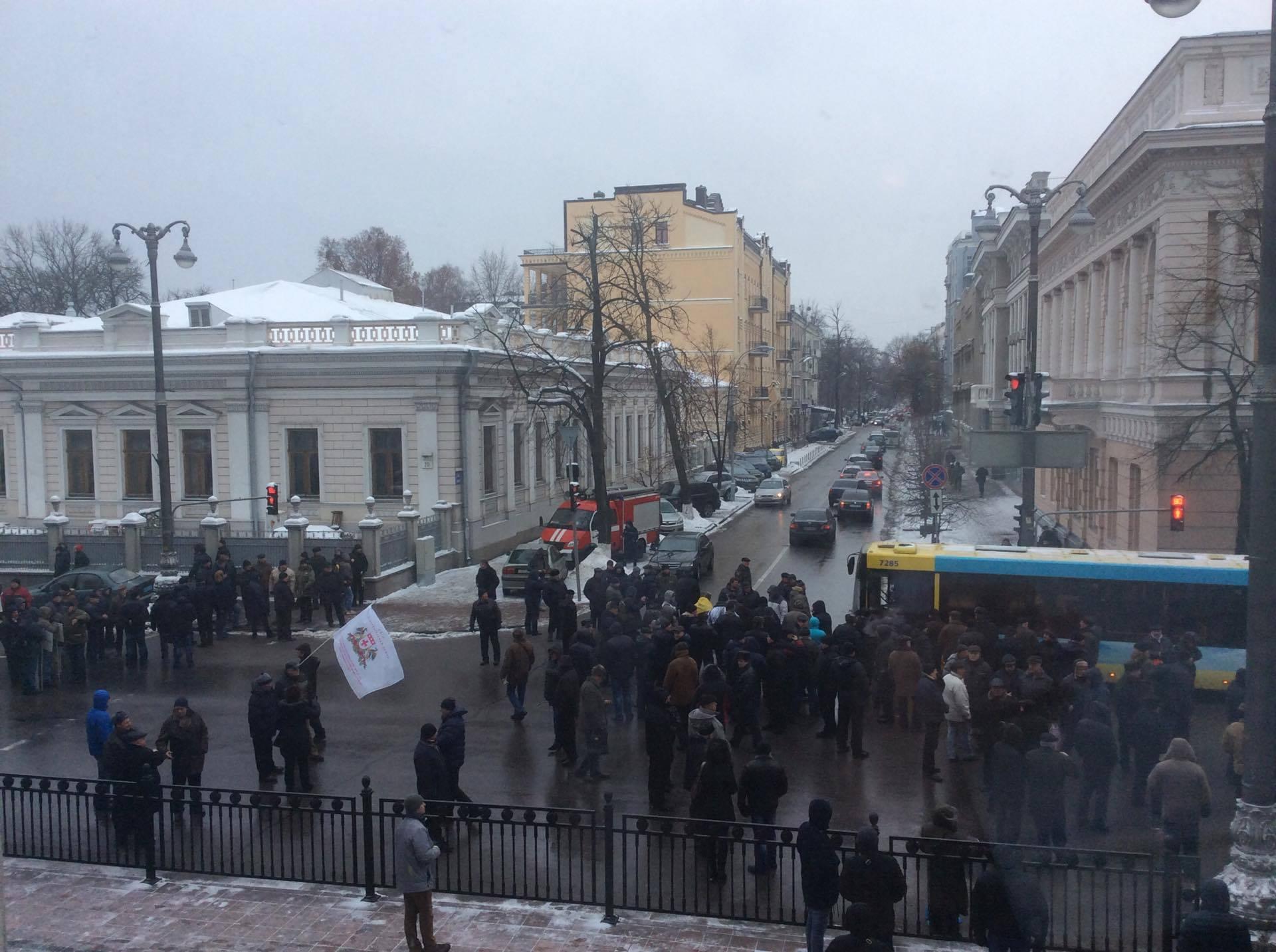 Авакова нанары! —сотни митингующих уРады требуют посадить руководителя МВД Украины