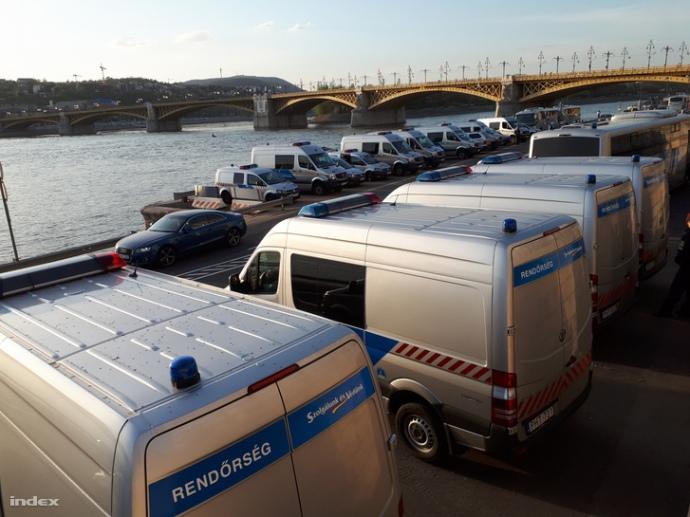 УБудапешті кілька тисяч людей протестували проти Орбана