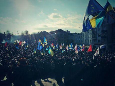 """Украина в Евромайданах: """"Зека - геть!"""""""