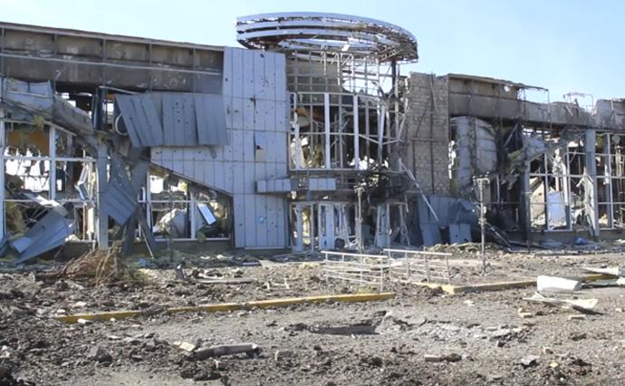 http://img.pravda.com/images/doc/e/a/eab57b7-690-lugansk-aeroport.jpg