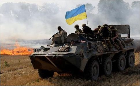 Боевики обстреляли защитников Новолуганского изБМП ипулеметов