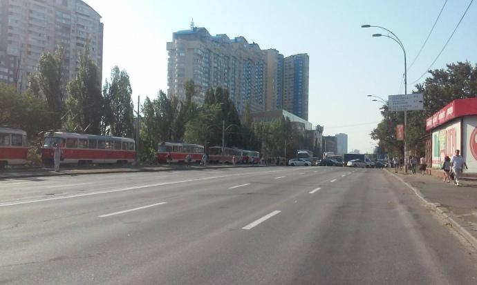 Харківське шосе перекрили
