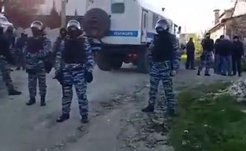 ВБахчисарае обыскивают дома крымских татар, есть схваченные ипострадавшие