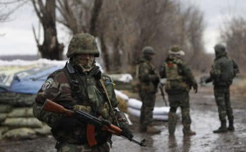 На Різдво окупанти зірвали перемир'я, один український військовий поранений— Штаб АТО