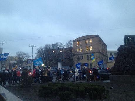 Колонны сторонников Партии регионов, 16 января. Фото УП