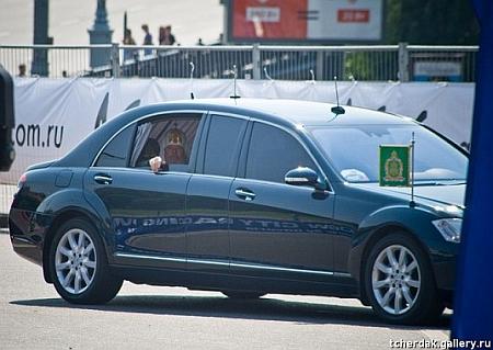 """Покійний Патріарх Московський і Всея Русі Алексій теж їздив на крутому """"Мерсі"""""""