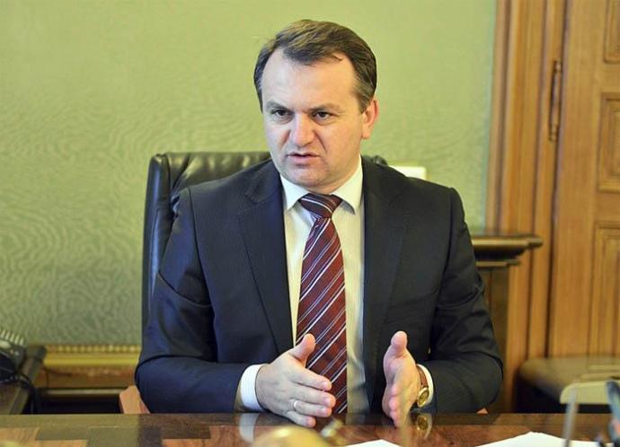 Голова Львівської ОДА Олег Синютка вирішив самостійно взятися за будівництво сміттєсортувального заводу