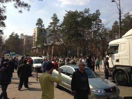 Місце, де трапився конфлікт активістів з міліцією. Фото з Facebook Володимира Арєва