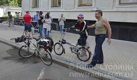 Більше 2 тисяч велосипедистів підписали петицію до Януковича. Фото Голос Столиці