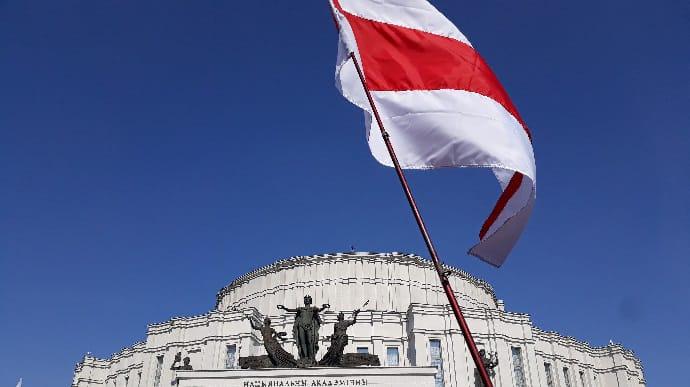 Выборы в Беларуси: ЦИК убеждает в рекордной явке на досрочное голосование
