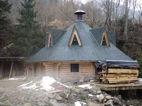 Ющенко строит также ресторан