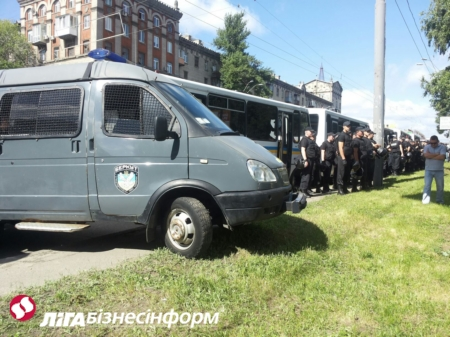 Милиция охраняет Марш равенства