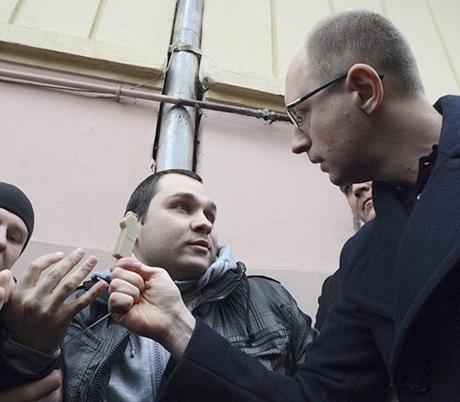 Яценюк разоблачил слежку за собой (видео)