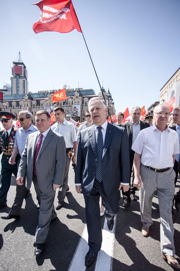 на парад як на роботу. Комуністи на марші
