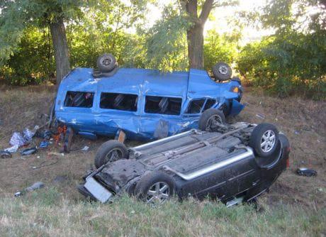 На Полтавщине столкнулись два микроавтобуса: 1 погибший, 11 раненых. Фото ГАИ