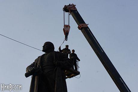 Повалили Леніна у Миколаєві