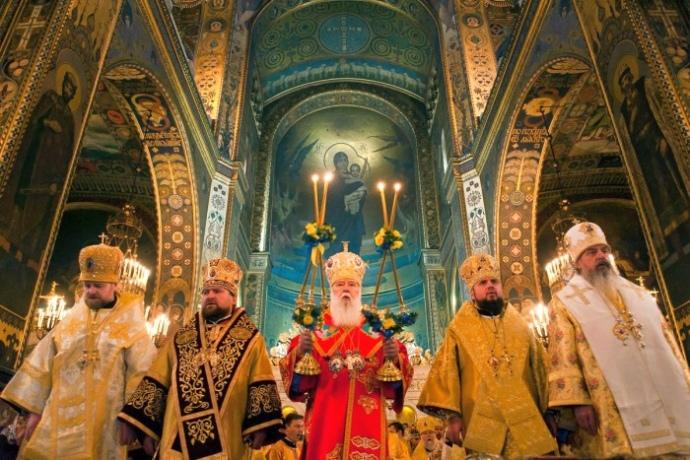 Зараз доля самостійної Церкви залежить від того, чи зуміють українці в архієрейських ризах домовитись між собою