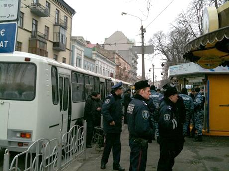 Біля парку Шевченка багато міліції. Фото Оксани Коваленко, УП