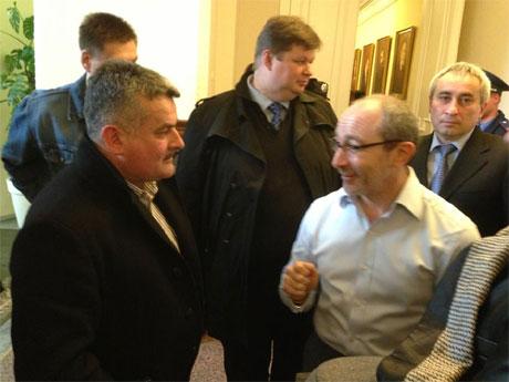 Кернеса вытянули с заседания. Фото с Facebook Парубия