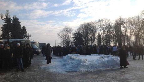 Регіонали зібрали мытинг. Фото Володимира Куренного