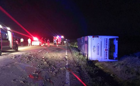 ВРумынии перевернулся автобус с60 украинцами, пострадали дети