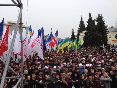 Оппозиция провела марш в Луцке
