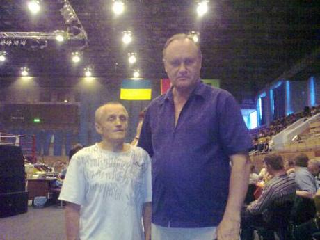 Микола Войтюк - зліва. Фото: http://ligabox.at.ua/photo/fotografija_1/1-0-21