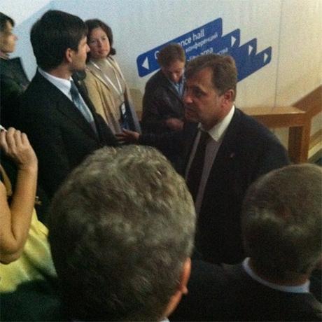 Янукович боїться вже не тільки своїх міністрів а й власного сина: охорона президента затримала всіх