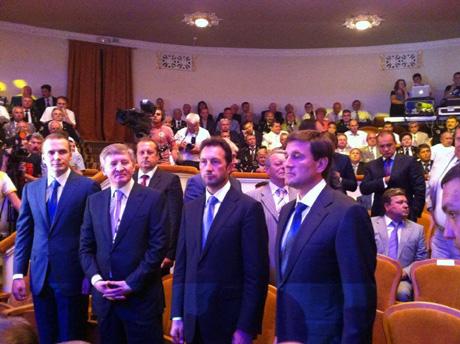 Олександр Янукович, Рынат Ахметов, Андрый Федорук ы Андрый Шишацький