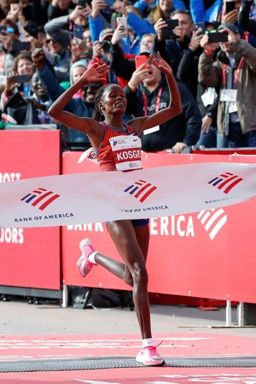 Бегунья из Кении побила мировой рекорд на марафоне