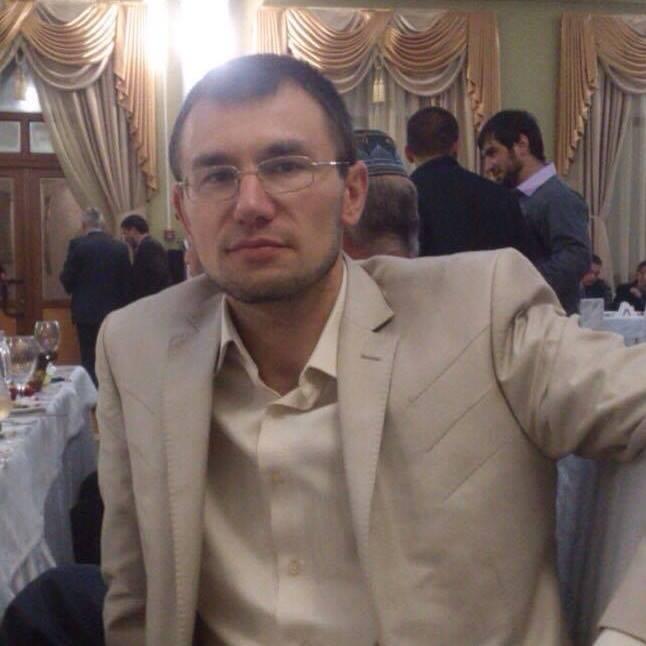 Емір-Усеін Куку, правозахисник, член Кримської контактної групи з прав людини, один з чотирьох арештантів
