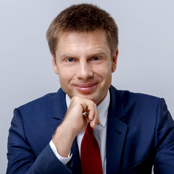 Зеленський починає і програє: як влада втрачає шанс на успішну Україну