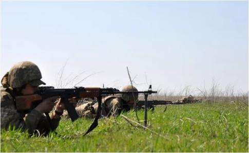 Волонтер назвав прізвище загиблого в єдиному суботньому обстрілі українського військового