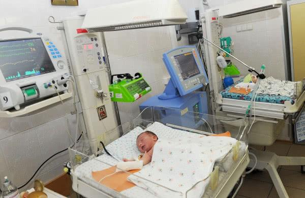 Дитяча кардіологія. Маленькі пацієнти інституту Амосова чекають на відкриття нового корпусу. Фото прес-служби КМУ