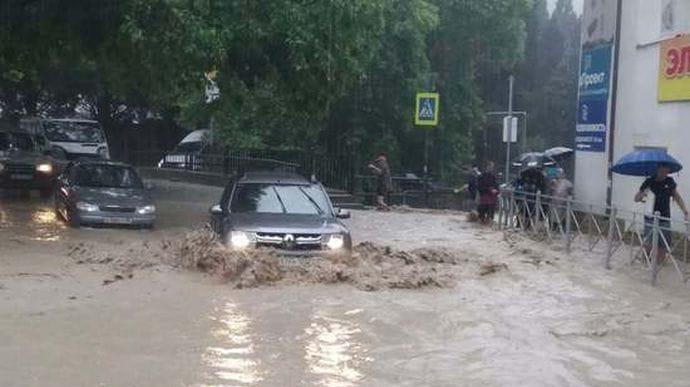 ВЯлте из-за потопа ввели режим ЧС, началась эвакуация