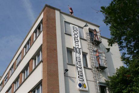Femen штурмували українські посольства у європейських столицях