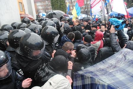 Черкасский облсовет, 22 марта