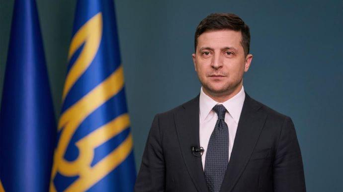 Украина планирует вакцинировать 50% населения в 2021-2022, — Зеленский