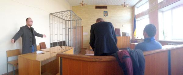 Суд залучив до розгляду справи голову Новопетрівської сільради Старенького
