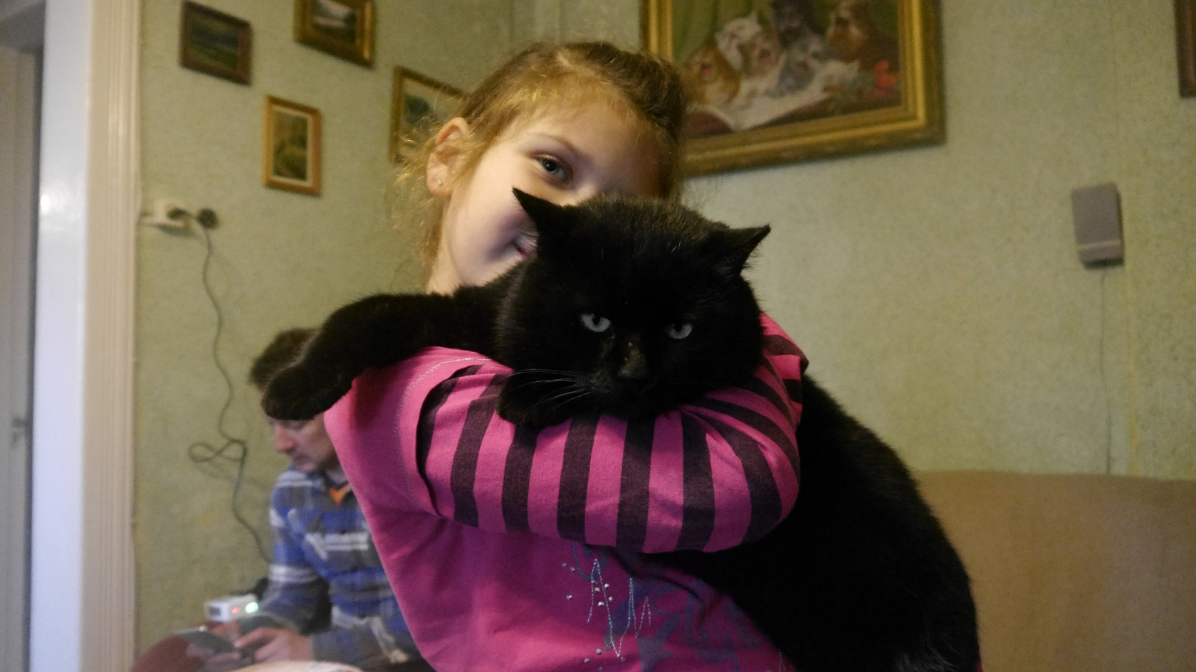 8-річна Йордана Гурик з котом Майданом