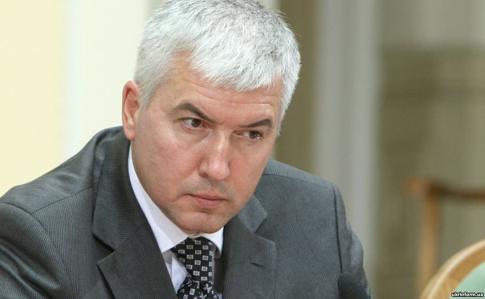Міністра оборони часів Януковича запідозрили у держзраді та інших злочинах