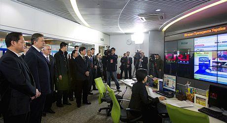 Янукович поучаствовал в церемонии запуска украинского Интернет-радио на сайте украинской редакции Международного радио Китая.
