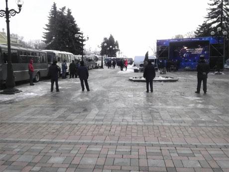 Беркут под Верховной Радой и сцена ПР. Фото Дмитрия Ларина, УП
