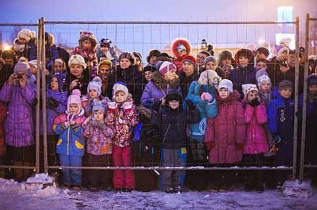 Встреча детей и Деда Мороза в Самаре. Фото: dimka-jd