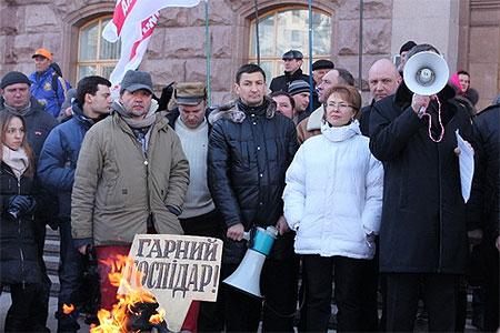 Оппозиция назвала Попова госпідаром